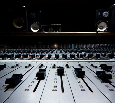 Looking for a Mixing Engineer