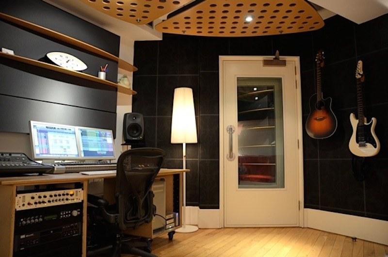 Ant G - Studio 1-1